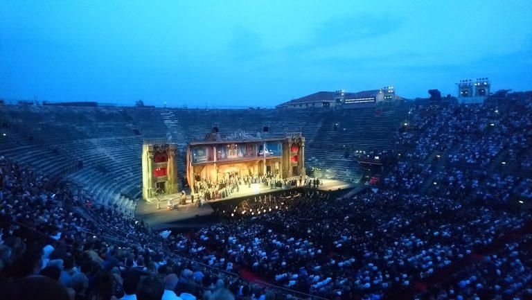 Naar de opera in de Arena van Verona: 5 tips